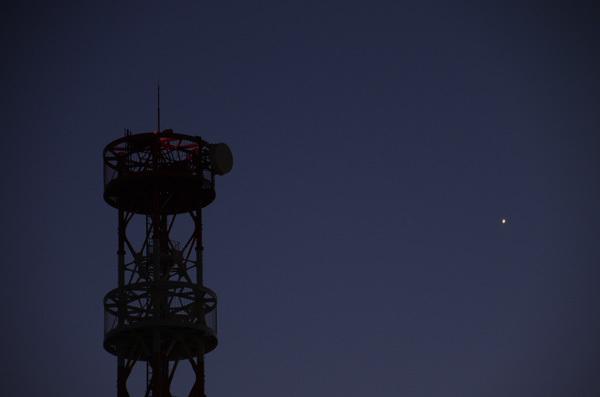 131213_金星と電波塔.JPG
