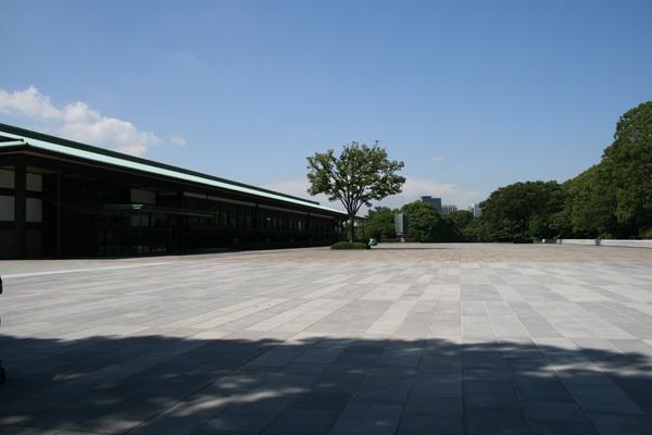 宮殿東庭.jpg