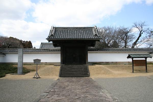 弘道館正門.jpg