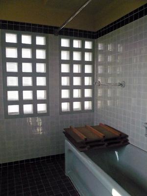 旧マッケンジー邸浴室.jpg